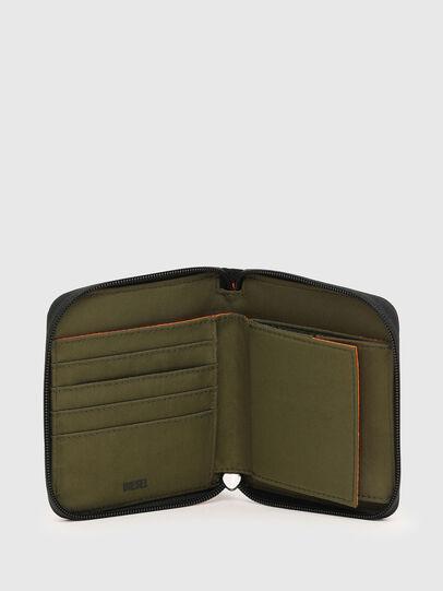 Diesel - PI-ZIP, Green Camouflage - Zip-Round Wallets - Image 3