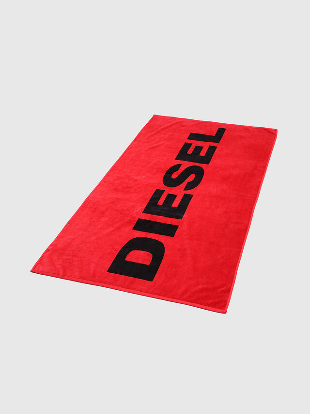 Diesel BMT-HELLERI, Red - Out of water - Image 1
