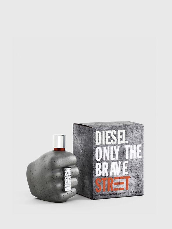 https://cz.diesel.com/dw/image/v2/BBLG_PRD/on/demandware.static/-/Sites-diesel-master-catalog/default/dw9c0c42ed/images/large/PL0458_00PRO_01_O.jpg?sw=594&sh=792