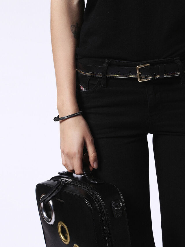 A-ZIPPER, Black