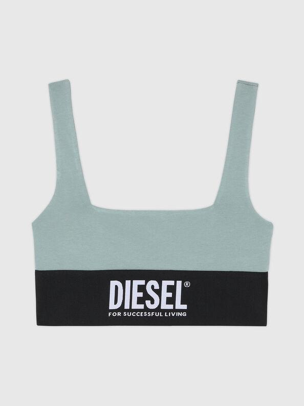 https://cz.diesel.com/dw/image/v2/BBLG_PRD/on/demandware.static/-/Sites-diesel-master-catalog/default/dwcdeba2e1/images/large/A01952_0DCAI_5BQ_O.jpg?sw=594&sh=792