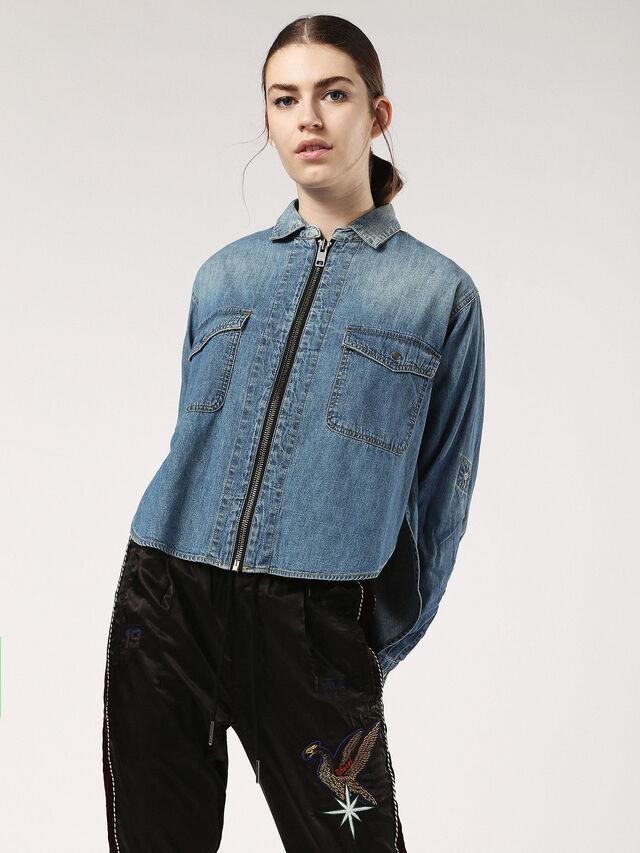 DE-SULA, Blue Jeans